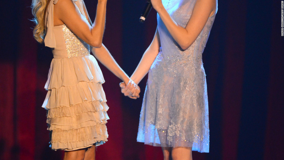 Kristin Chenoweth and Anna Kendrick perform together at 2012 Trevor Live.