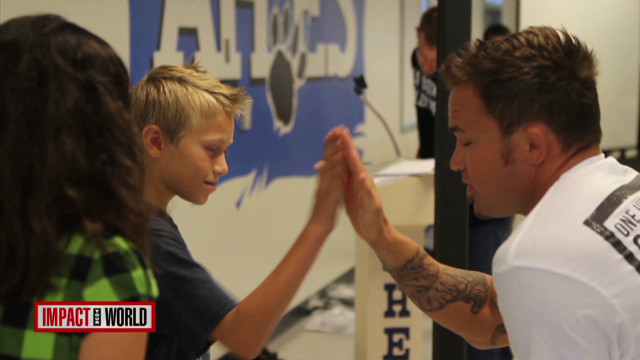 Ultimate fighters tackle bullying