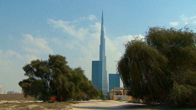 Dubai wrestles with economic recovery