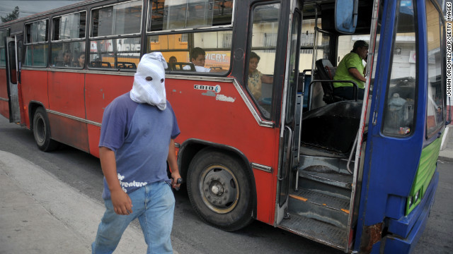 Guatemalan gangs demand Christmas bonus