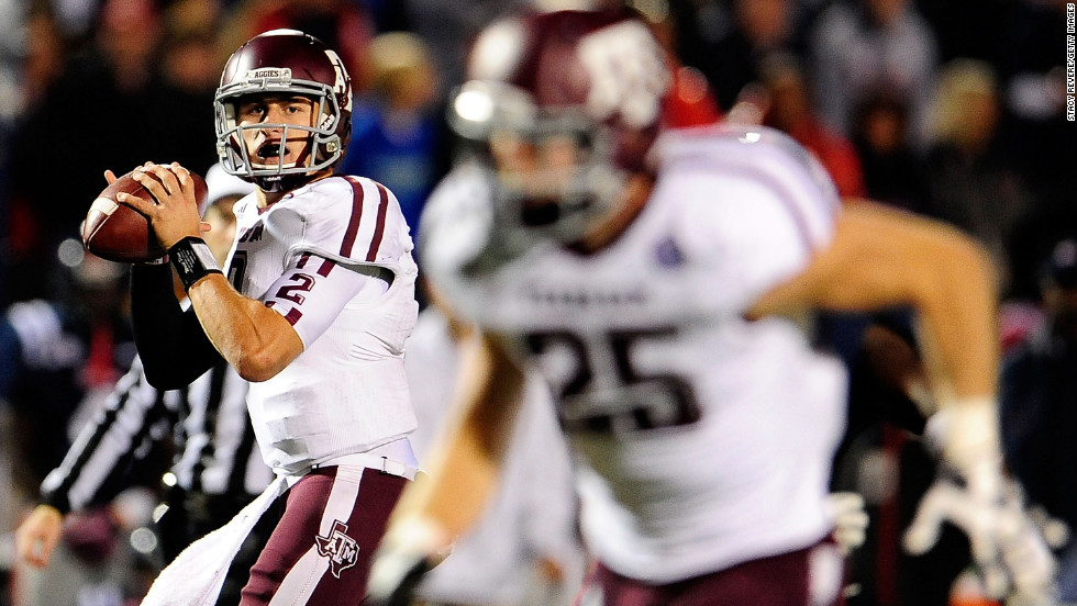 Manziel drops back to pass against the Ole Miss Rebels on October 6.