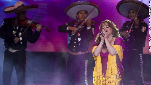 MEXICO CITY, MEXICO - DECEMBER 04:   Jenni Rivera performs during the Teleton 2010 at Auditorio nacional on December 4, 2010 in Mexico City, Mexico. (Photo by Angel Delgado/Clasos.com/LatinContent/Getty Images)