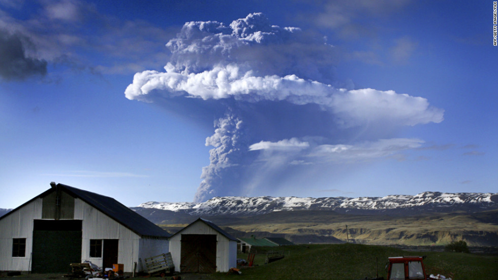 Ash billows from the Eyjafjoell volcano in May 2010. The eruption disrupted 100,000 flights but failed to dent Iceland's long-term tourism growth.