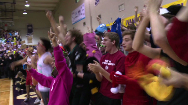 taylor university silent night basketball tradition_00003113