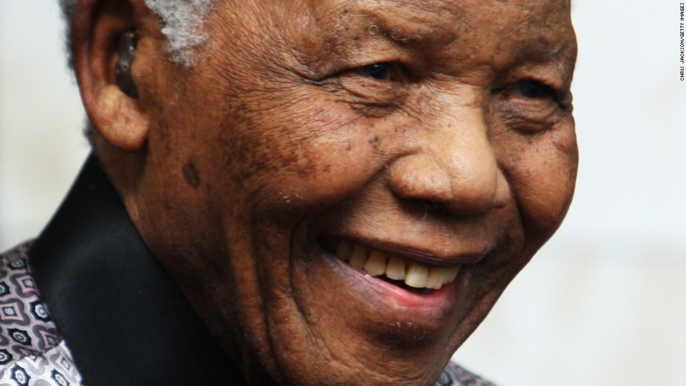 Mandela leaves the InterContinental Hotel after a photoshoot with celebrity photographer Terry O'Neil on June 26, 2008, in London.