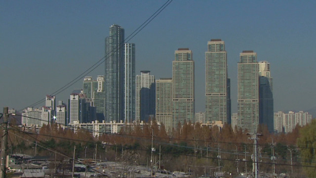 Poverty lies in the shadow of Gangnam