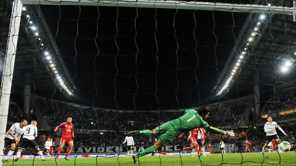 Peru's Guerrero spent six years with German team Hamburg before joining Brazilian club Corinthians earlier this year.