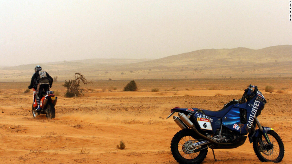 During the 2005 Dakar, motorbike riders Jose Manual Pérez and Fabrizio Meoni died in consecutive days after separate crashes. That year motorcyclist Cyril Despres dedicated his victory to Meoni and Richard Sainct, who had died a few weeks earlier during the Pharaohs Rally.
