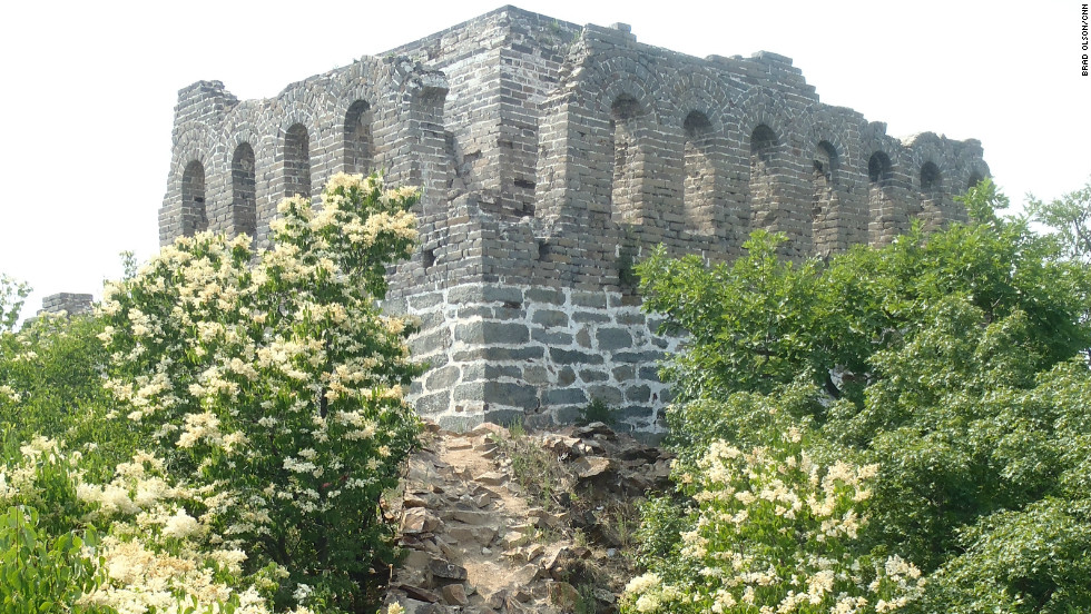 Spring.  A former watchtower, the Nine-eyed Tower is the largest of its kind on the wall.
