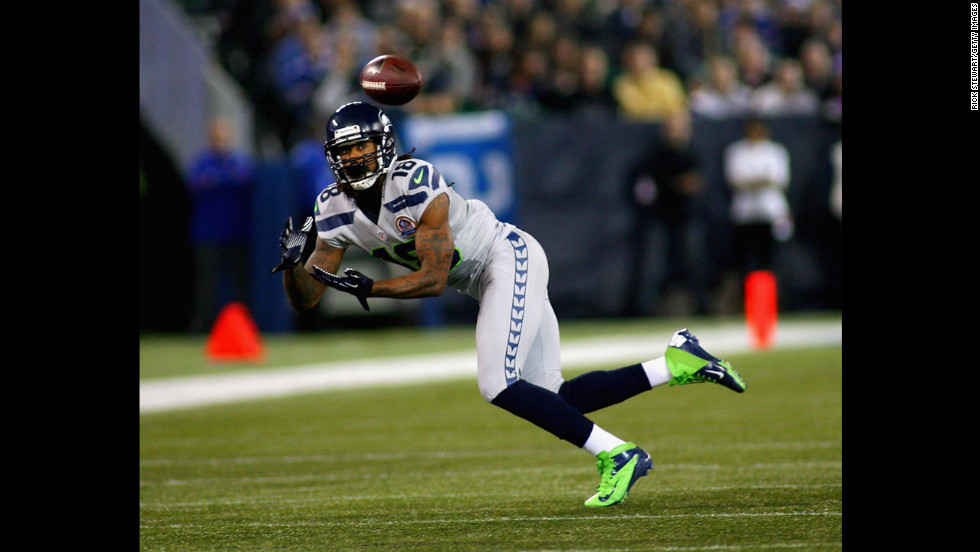 Sidney Rice of the Seahawks makes a catch against the Bills on Sunday.