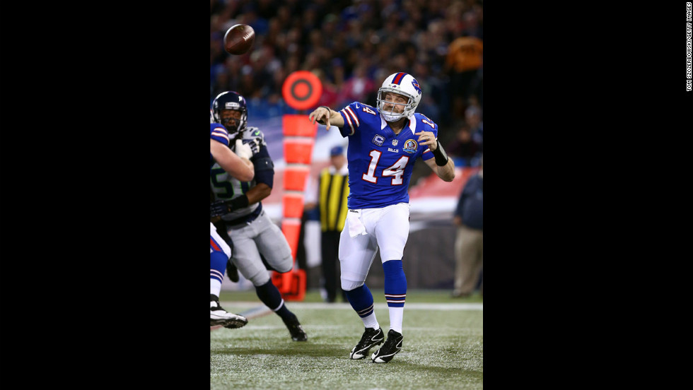 Ryan Fitzpatrick of the Bills throws a pass against the Seahawks on Sunday.