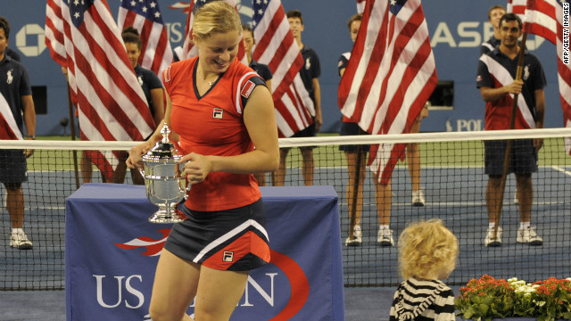 Kim Clijsters celebrates on court with her daughter, Jada, at the US Open in 2009