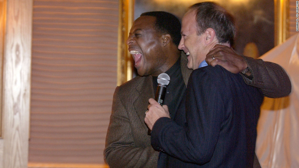 Walton at a farewell party for CNN anchor Leon Harris in 2003.
