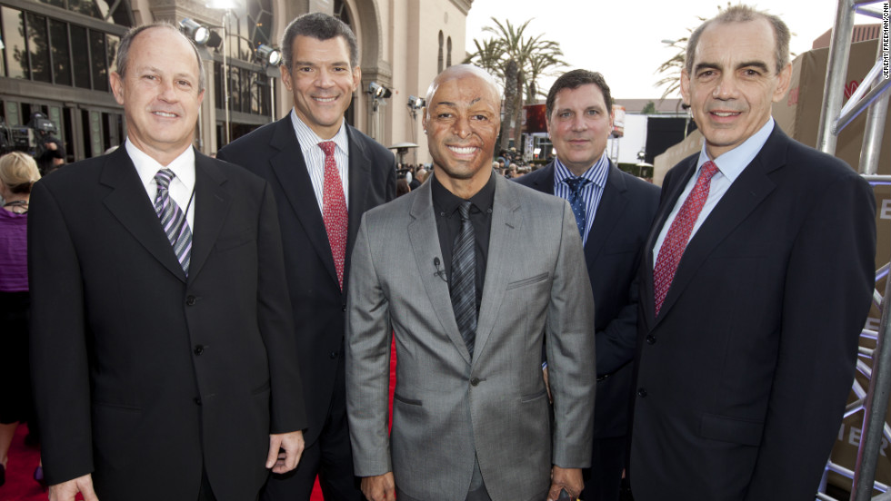 From left, Walton, Mark Whitaker, J.R. Martinez, Greg D'Alba and Ken Jautz at the 2011 CNN Heroes awards ceremony.