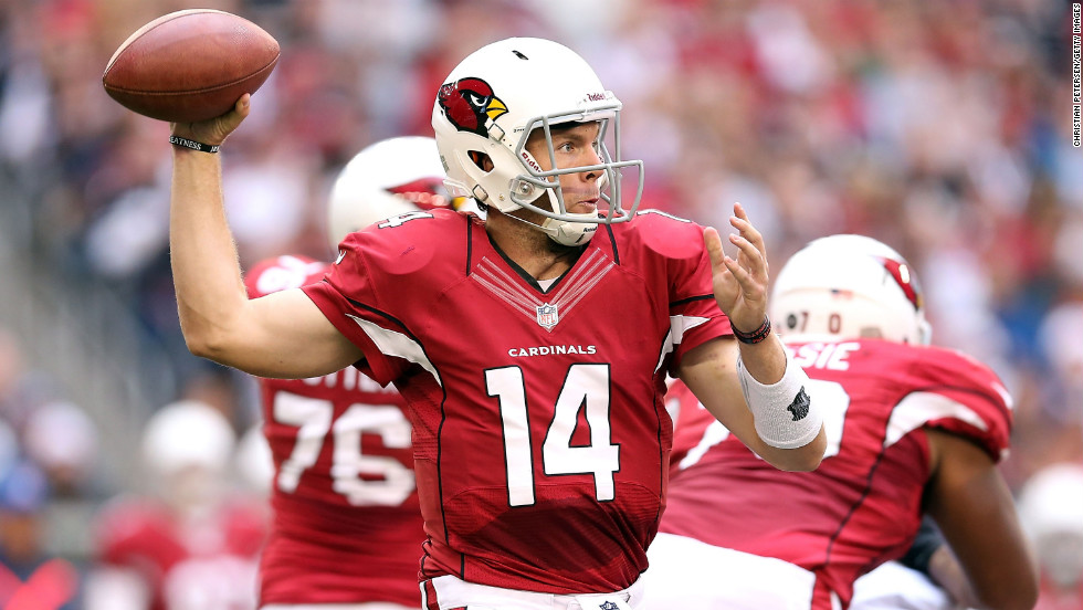 Quarterback Ryan Lindley of the Cardinals throws a pass against the Bears on Sunday.