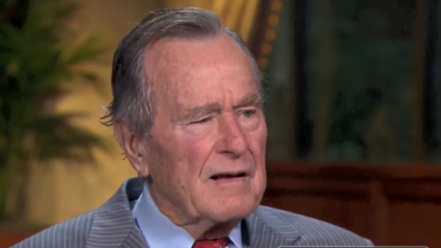 2010: 'No rivalry' among Bushes