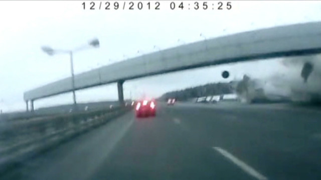 Moscow plane crash caught on video