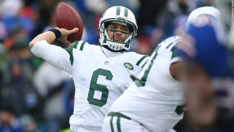 Mark Sanchez of the New York Jets throws against the Buffalo Bills on Sunday.