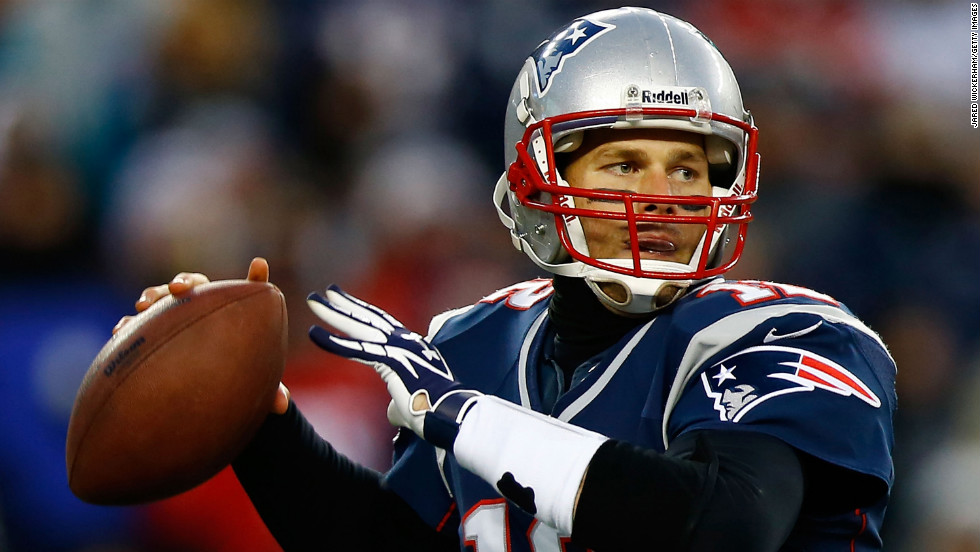 Tom Brady of the New England Patriots throws a pass against the Miami Dolphins on Sunday.