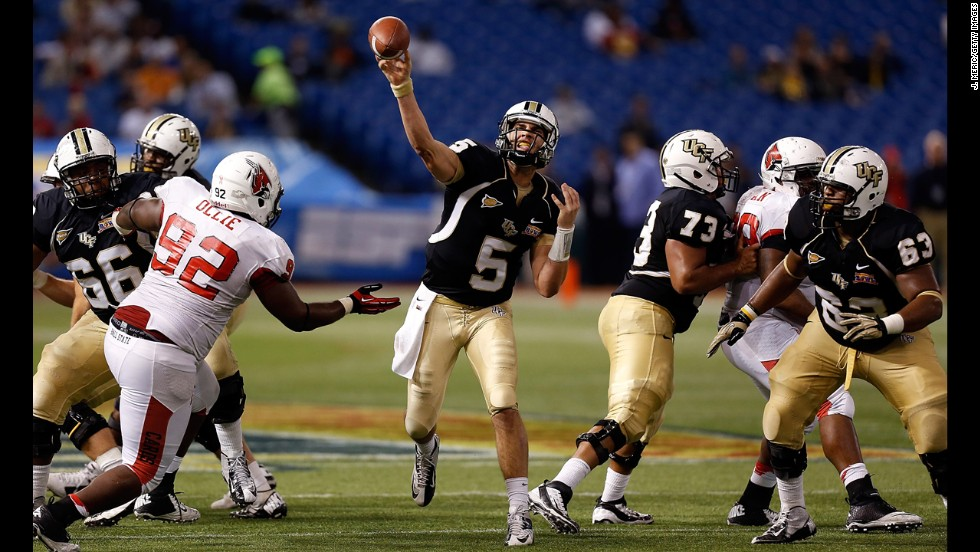 Blake Bortles of the Central Florida Knights throws a pass against the Ball State Cardinals on December 21.