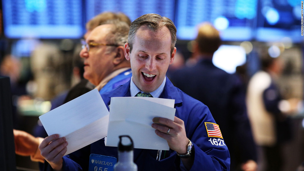 NEW YORK, NY - JANUARY 02: Traders work on the floor of the New York Stock Exchange on January 2, 2013 in New York City. A day after U.S. lawmakers reached a last minute agreement to avert the fiscal cliff, U.S. stocks surged as traders around the globe felt renewed confidence over global markets. Shortly after the opening bell, The Dow Jones Industrial Average rallied more than 230 points, or 1.7%. (Photo by Spencer Platt/Getty Images)