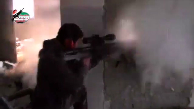 Syrian rebels battle regime forces