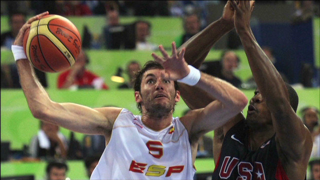 human to hero rudy fernandez basketball_00014525