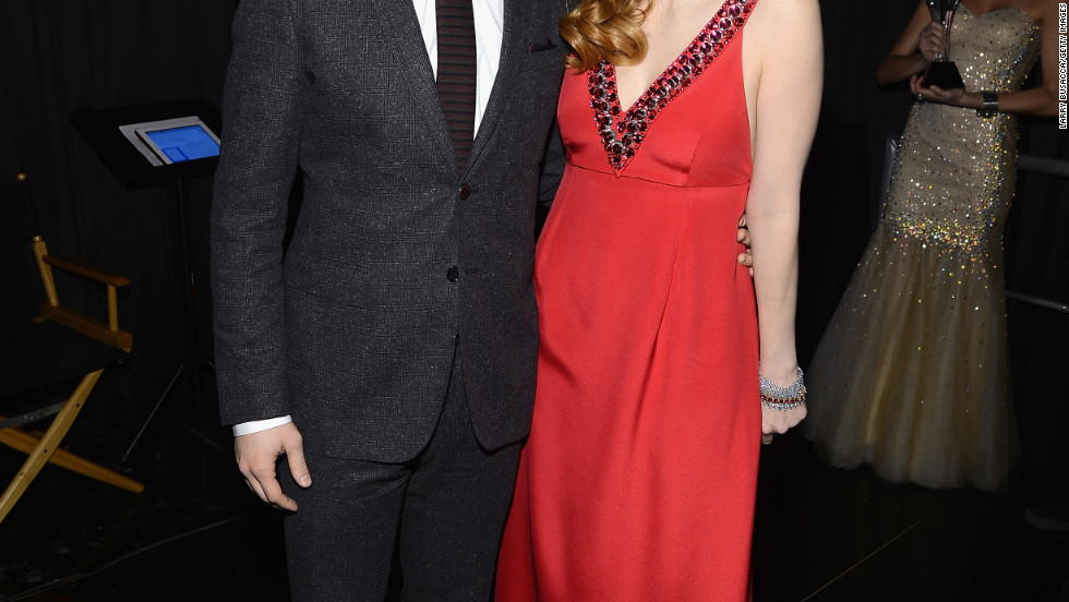 Joseph Gordon-Levitt and Jessica Chastain pose for photographs at the Critics' Choice Movie Awards.