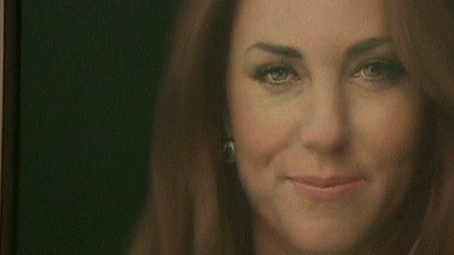 Critics eye first royal portrait of Kate