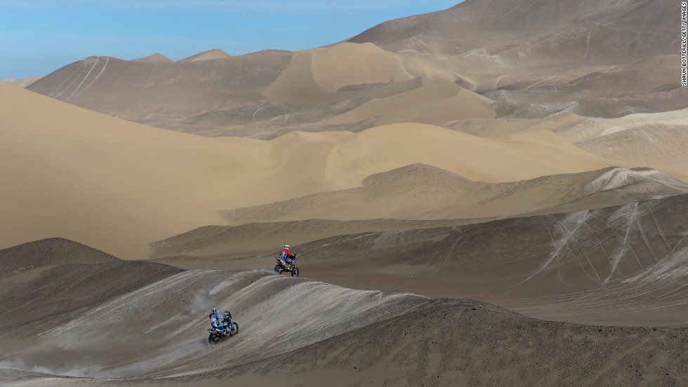 Riders compete in Stage 6 from Arica to Calama on January 10.