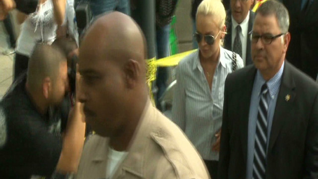 2011: Lohan walks judicial red carpet