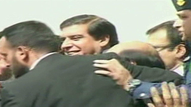 cnnee oraa pakistan pm arrest_00001222.jpg