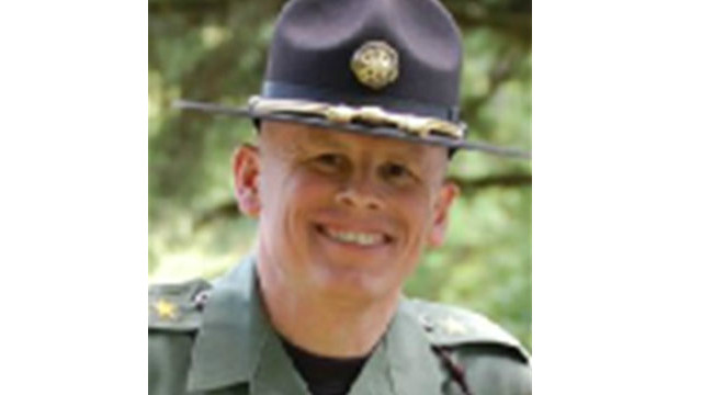 "Linn County Sheriff Tim Mueller said he won't enforce any federal regulation ""offending the constitutional rights of my citizens."" He won't permit federal officers to come to his county to enforce such laws either, he said."