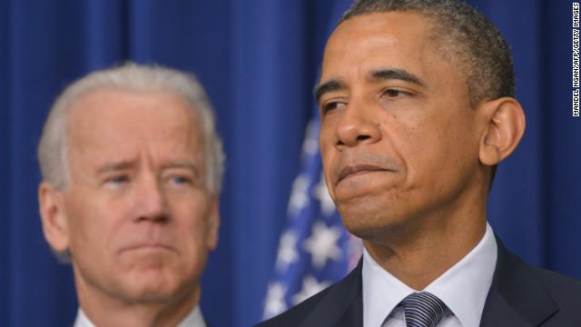 Obama pushes universal background checks