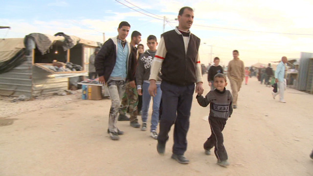 20,000 Syrians stream into Jordan in days