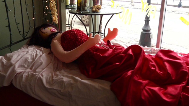 Blow-up doll causes window display stir