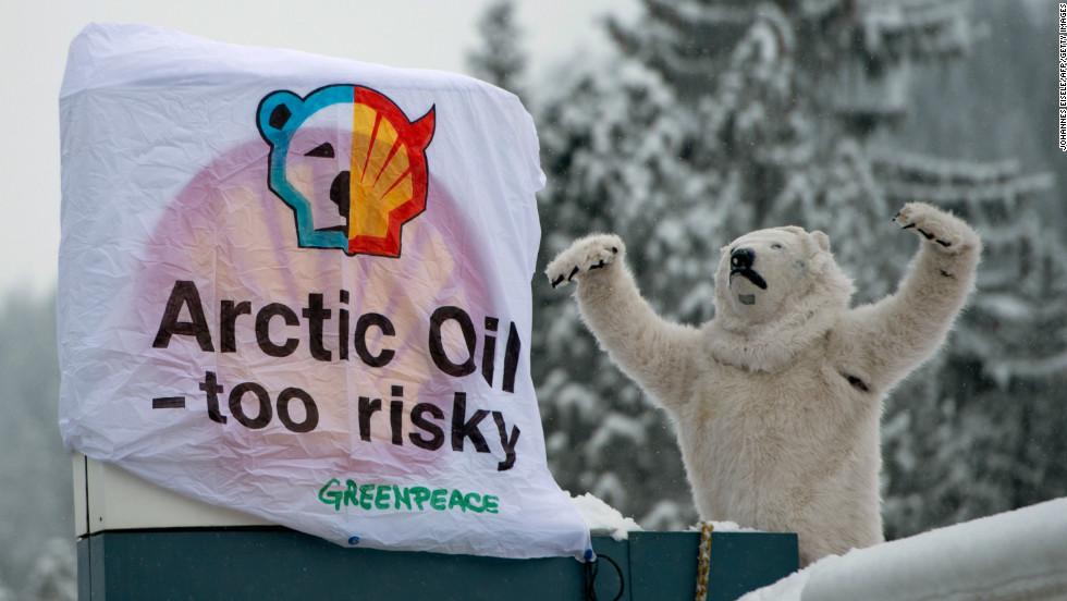 A Davos meeting wouldn't be complete without a good protest. On the second to last day of the forum a Greenpeace activist dressed as a polar bear climbed the roof of a gas station to protest against global oil giant Shell.
