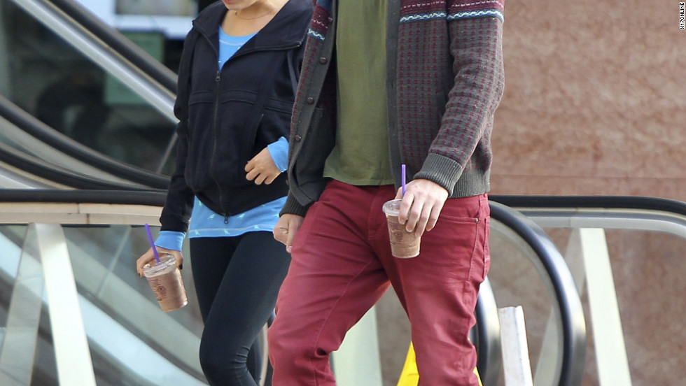 Ashton Kutcher and Mila Kunis go for coffee.