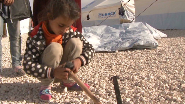 Syrian refugees set up camp, need aide