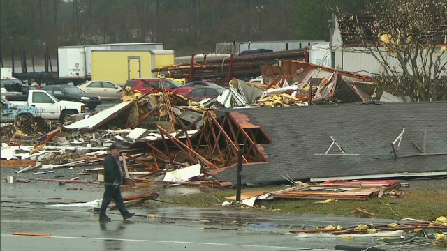 Tornado causes destruction in Georgia