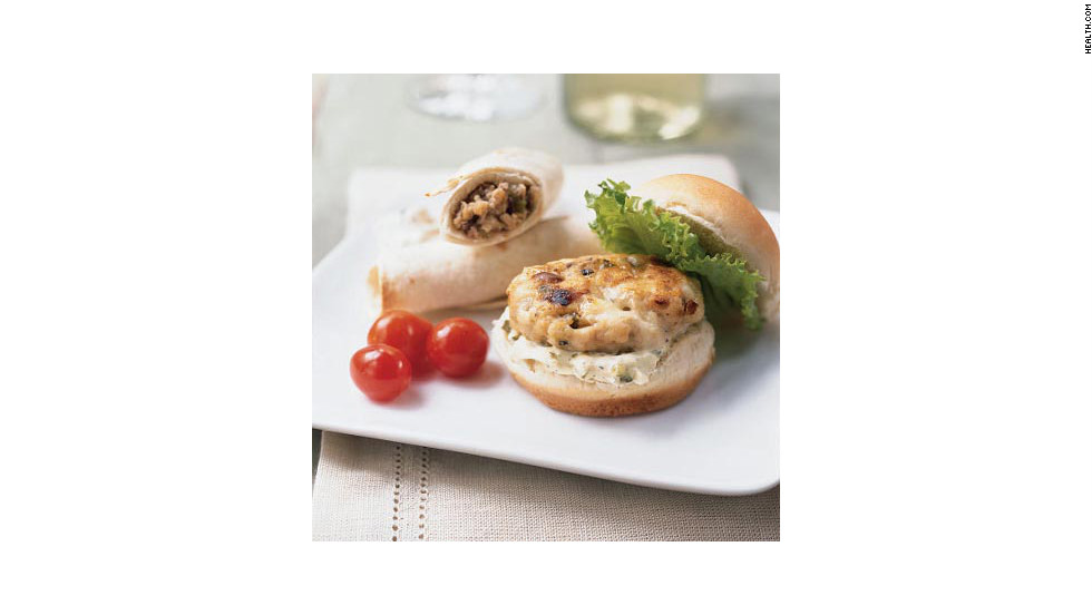 "Garlic powder, ground turkey and Gorgonzola cheese make these 169-calorie miniburgers the perfect protein-packed finger foods. <strong>Try this recipe:</strong> <a href=""http://www.myrecipes.com/recipe/mini-turkey-burgers-with-gorgonzola-10000001545755/"" target=""_blank"">Mini turkey burgers</a>"