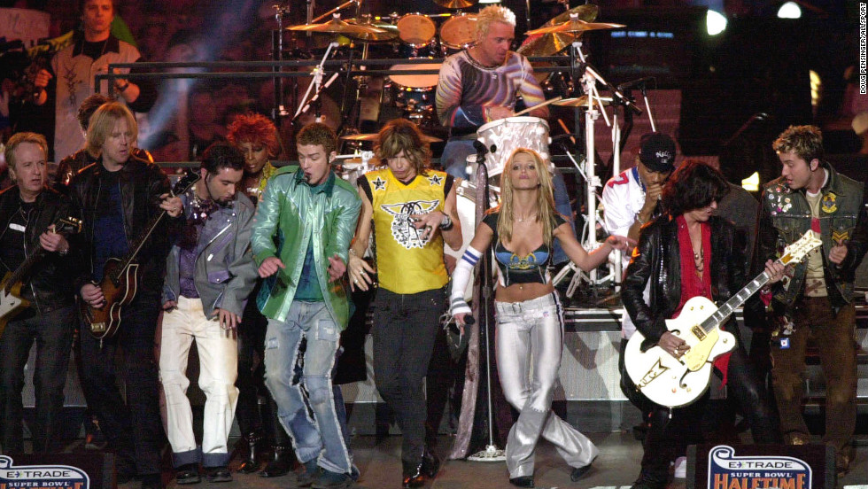 "Britney Spears, Aerosmith, 'N Sync, Mary J. Blige and Nelly put on an <a href=""https://www.youtube.com/watch?v=oeLnwbJzLO0"" target=""_blank"">entertaining show</a> in 2001, performing hits like ""Bye Bye Bye"" and ""I Don't Want to Miss a Thing,"" but it was the big finale where the entire group sang ""Walk This Way"" that puts this performance into the halftime hall of fame."