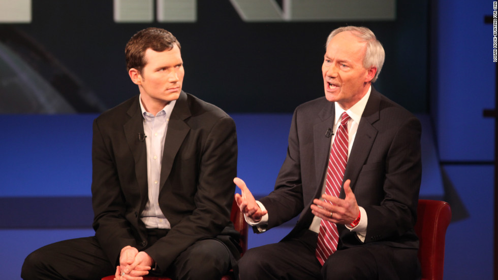 Colin Goddard, left, who survived the Virginia Tech mass shooting in 2007, left, with Asa Hutchinson, a former congressman involved in the National Rifle Association's school emergency response program.