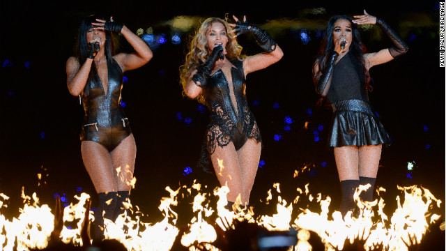NEW ORLEANS, LA - FEBRUARY 03:  Singers Kelly Rowland, Beyonce and Michelle Williams of Destiny's Child perform during the Pepsi Super Bowl XLVII Halftime Show at Mercedes-Benz Superdome on February 3, 2013 in New Orleans, Louisiana.  (Photo by Kevin Mazur/WireImage)