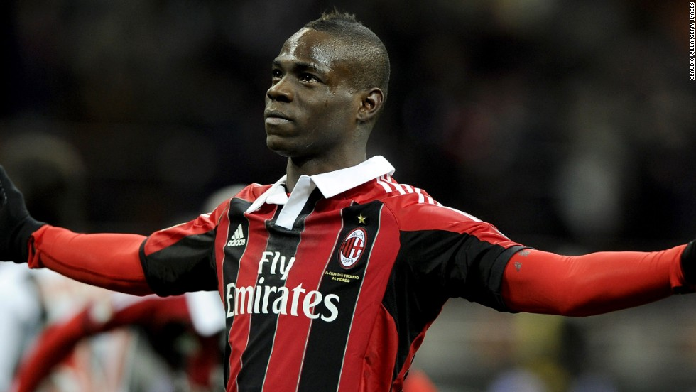 Mario Balotelli marked his return to Italy's Serie A with both goals in AC Milan's 2-1 win over Udinese, the second coming from the penalty spot deep into time added on.