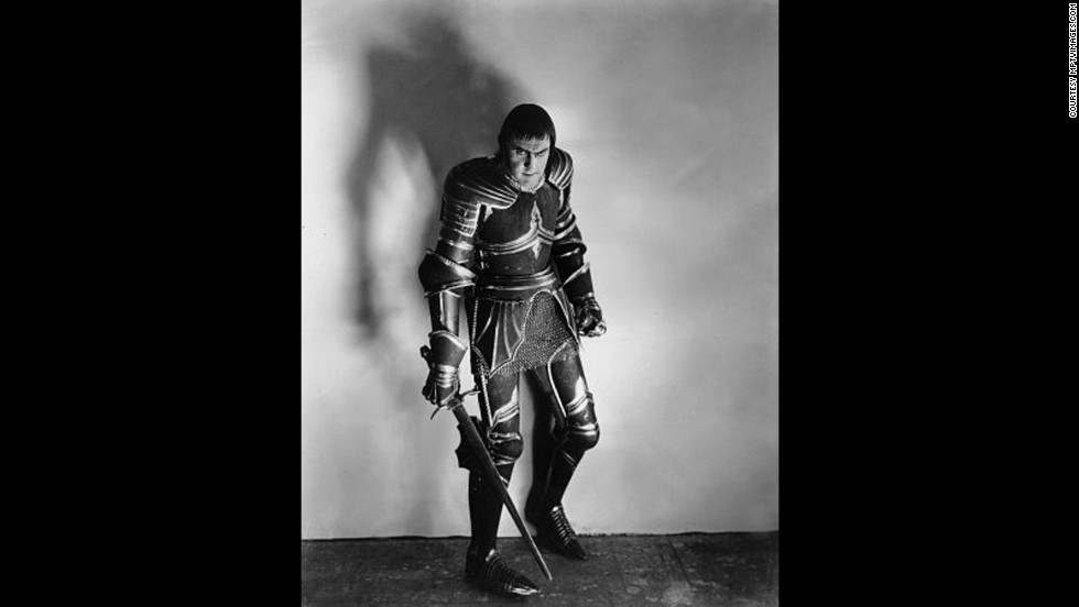 "John Barrymore as Richard III in ""Henry VI Part III,"" 1929."