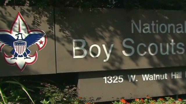 Boy Scouts consider ending gay ban