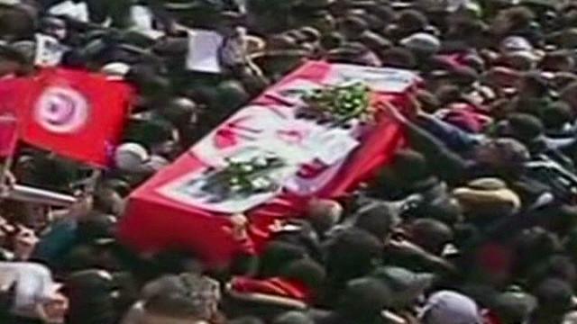 seg.tunisia.funeral_00020930.jpg