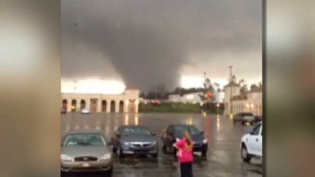 Watch tornado bear down on Hattiesburg, Mississippi