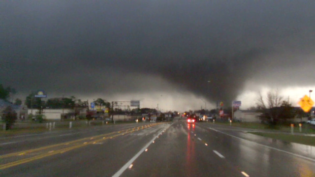 Tornado rips through Hattiesburg